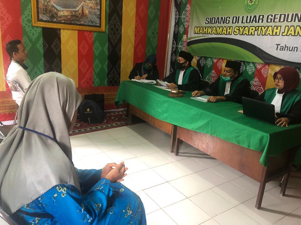 Pasca New Normal, MS Jantho Kembali Laksanakan Sidang Diluar Gedung Pengadilan